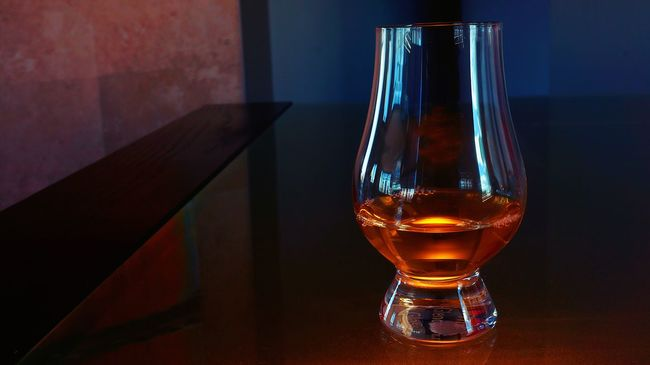 Single Malt whisky in a tasting glass. Alcohol Alcoholic Drink Close-up Focus On Foreground Illuminated Liquor No People Refreshment Selective Focus Single Malt Single Malt Scotch Wisky Single Malt Whisky Still Life Studio Shot