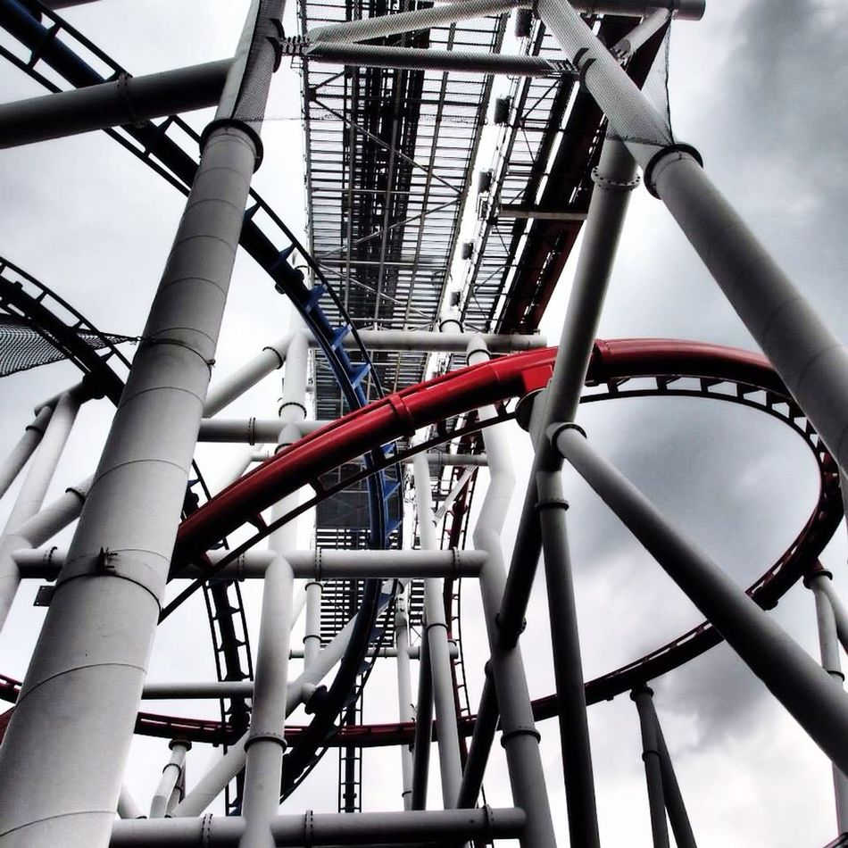 Riding Roller Coasters Should I Cut The Blue Wire Or The Red Wire? Singapore