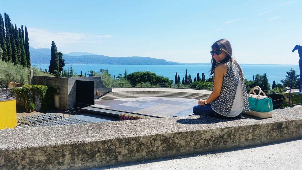 Sunny Day Garda Lake Lago Di Garda Vittoriale Relaxing Me Myself And I Punto De Vista Lake View Garda