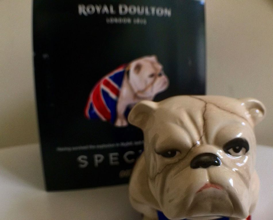 Having survived the explosion in Skyfall, Jack the bulldog is back in Spectre. Spectre Jackthebulldog Jack The Bulldog Royal Doulton Figurine  Jack Bulldog James Bond James Bond 007 Skyfall 007 007 Spectre Daniel Craig Collection My Hero Man Crush