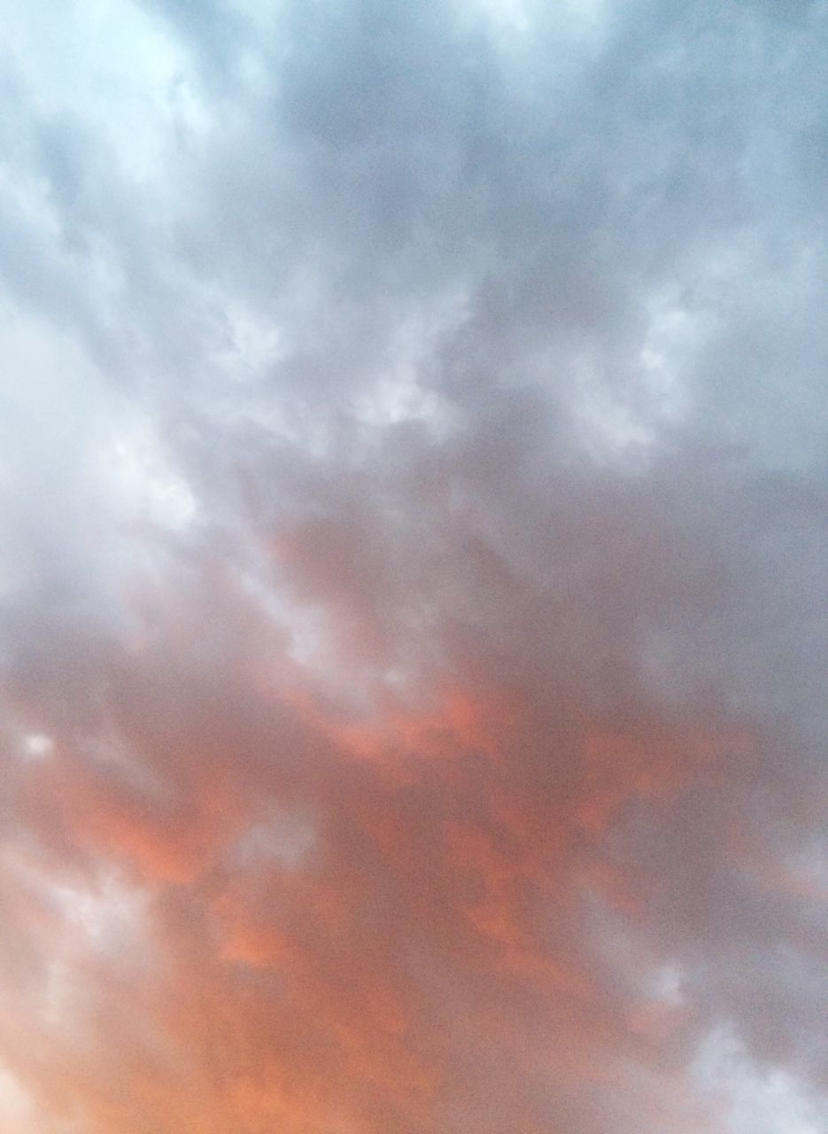cloud - sky, sky, beauty in nature, cloudscape, backgrounds, low angle view, nature, dramatic sky, atmospheric mood, scenics, sky only, no people, tranquil scene, tranquility, sunset, abstract, outdoors, full frame, day, storm cloud