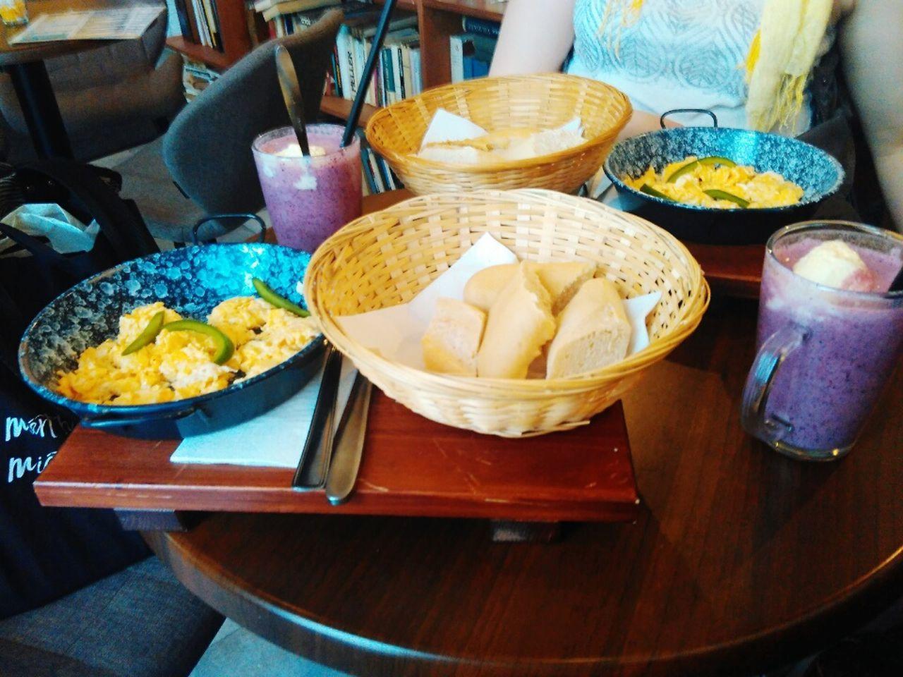 Food Foodphotography Foodporn Breakfast Scrambledeggs Milkshake Scarf Yellow Friends Girls Girlsdayout Eat Eatouts Visual Feast