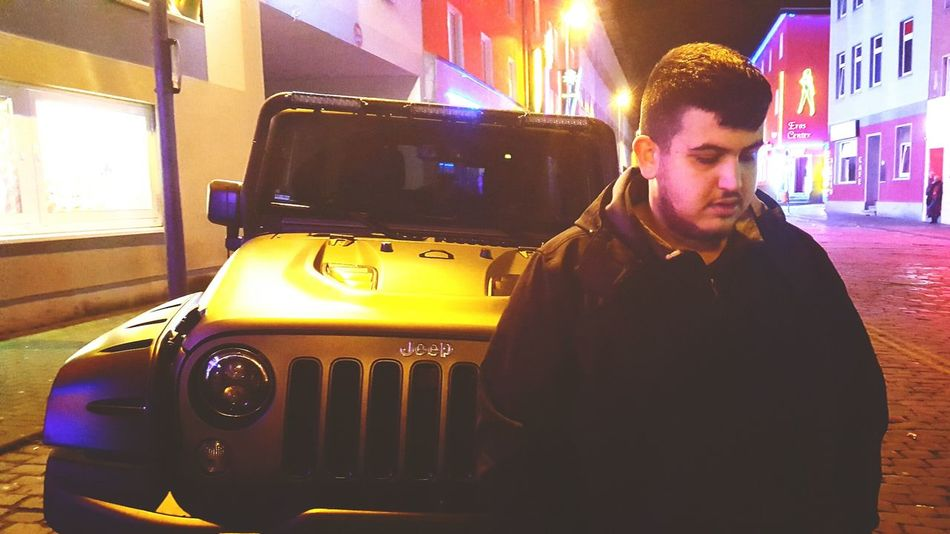 one people and a car! Night Only Men Nightlife City One Person One Man Only Adult Young Adult Outdoors Jeep Jeep Life ❤ Colour Of Life Colored Background Colours Of The Night Bochum Kreativ Bochum-City Vehicle Hood Drivebright Bochum By Night Human Body Part Funtime Car Vehicle Light