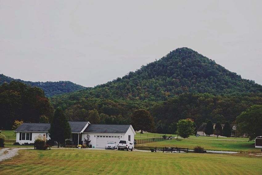 Colors And Patterns Architecture Landscape Grass Countryside Mountain Range Owingsville Ky Exploration Natgeo Outdoor Photography Forest Lush Foliage Folliage Lookingup