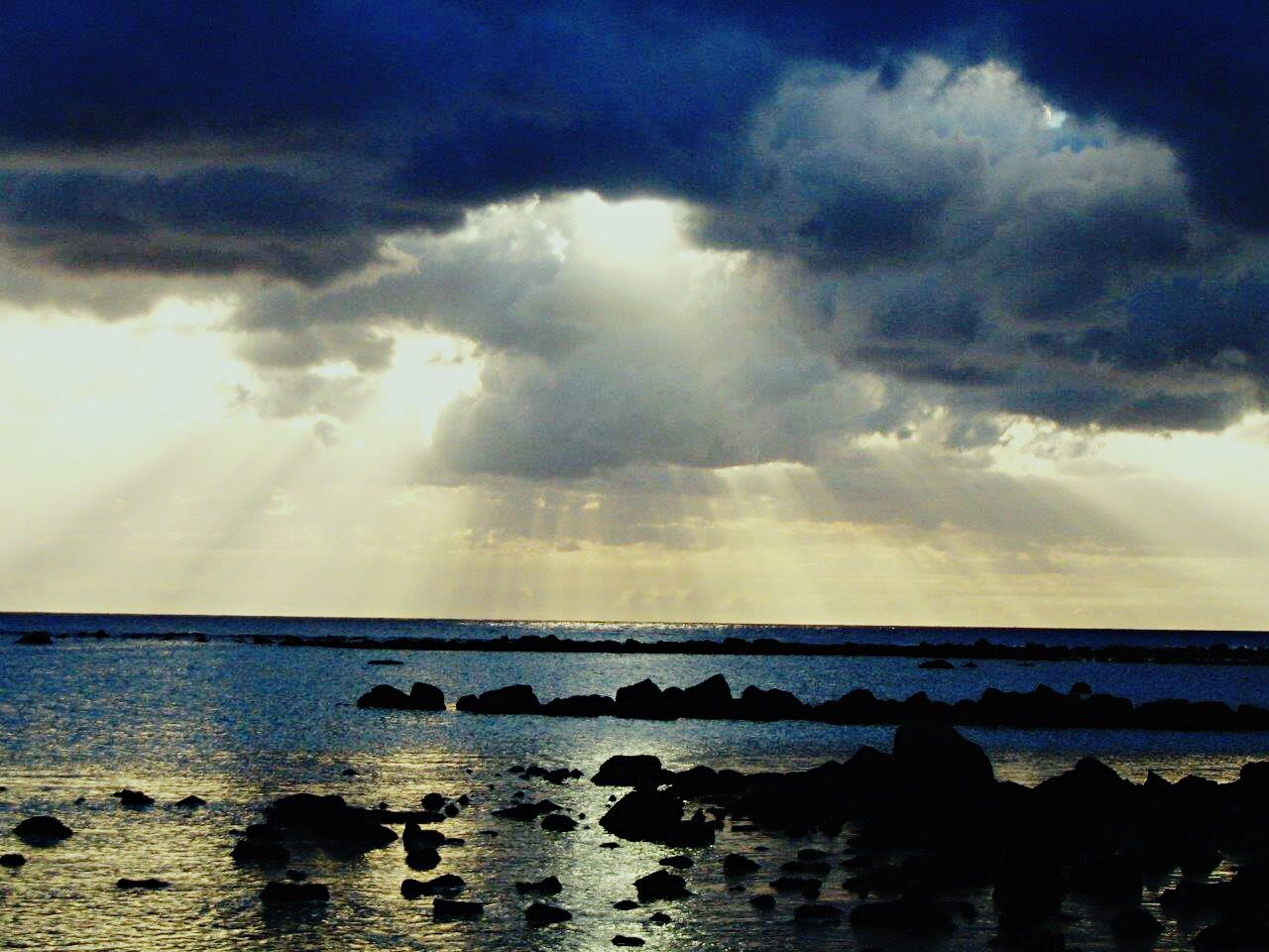 sky, cloud - sky, sea, water, tranquil scene, tranquility, nature, scenics, beauty in nature, no people, horizon over water, outdoors, day