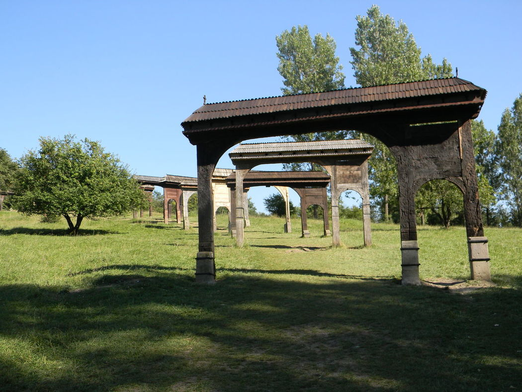 Built Structure Gates Gates In A Row No People Open Gates Shadows & Lights Szekely Gate Transylvania