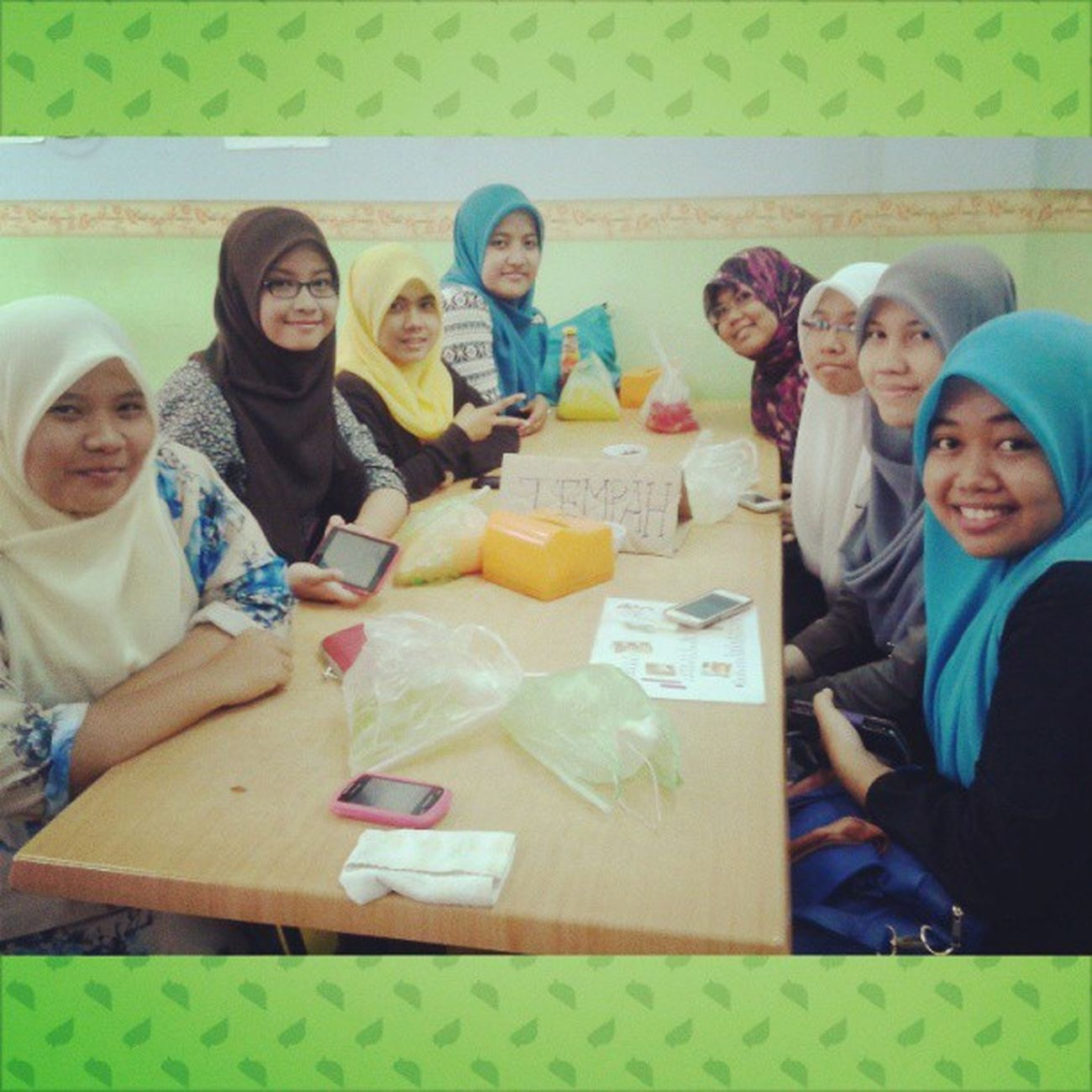 """Alhamdulillah done iftar at Madina Restaurant :"""") *such a delicious food Ramadhan Girlsouting"""