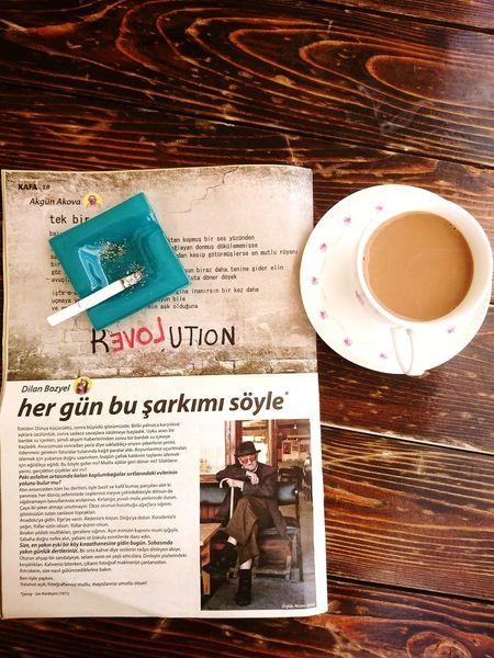 """""""peki asfaltın ortasında kalan kaplumbağalar sırtlarındaki evlerinin yolunu bulur mu?"""" Kafadergisi Kafabidünya Balkonsefasi No People Coffee - Drink Coffee Coffee Time Dergi Coffee And Cigarettes Kahve Keyfi Kahve Ve Sigara Muhteşem Ikili Dilanbozyel Adana"""