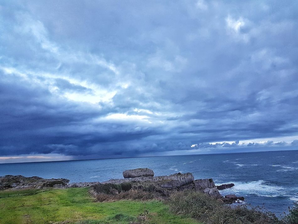 Sea Sky Cloud - Sky Beauty In Nature Horizon Over Water Movilefotografy Lluvias RainyDay Castro Urdiales (Cantabria) EyeEmNewHere