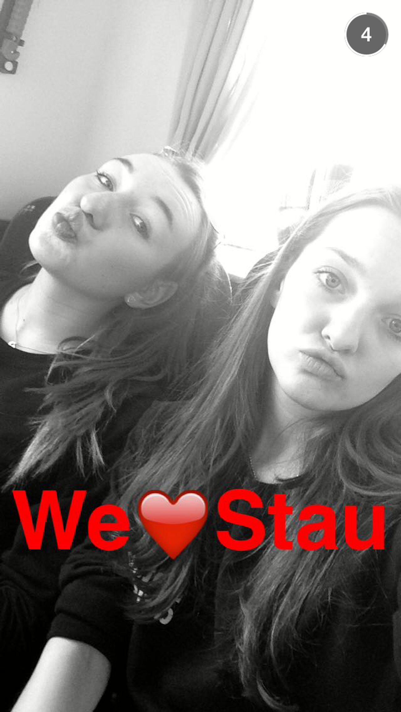 Girls Cute Ioveyou Snapchat Stau  Busfahrt Fun
