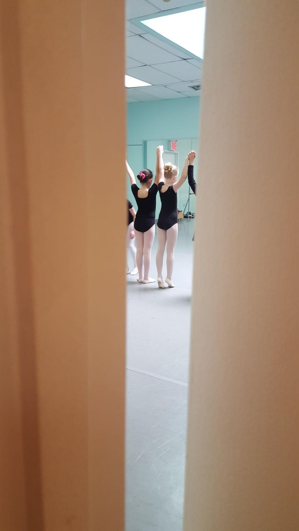 Sneak Peek Ballett Girls Indoors