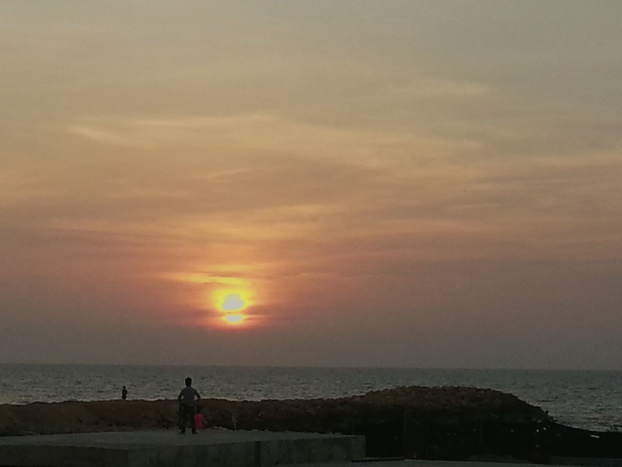 Atardecer 17 julio 2015 Relaxing Taking Photos Life Is A Beach Tunel De Crespo Construction Desde Mi Ventana... People Watching