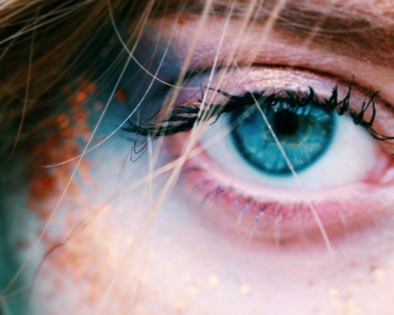 Human Eye Eyesight Human Body Part Eyelash One Person Iris - Eye Eyeball Adult People Eyebrow Close-up One Woman Only Only Women Women Sensory Perception Beautiful Woman Beauty Outdoors Adults Only Day Art The Portraitist - 2017 EyeEm Awards EyeEmNewHere Portrait