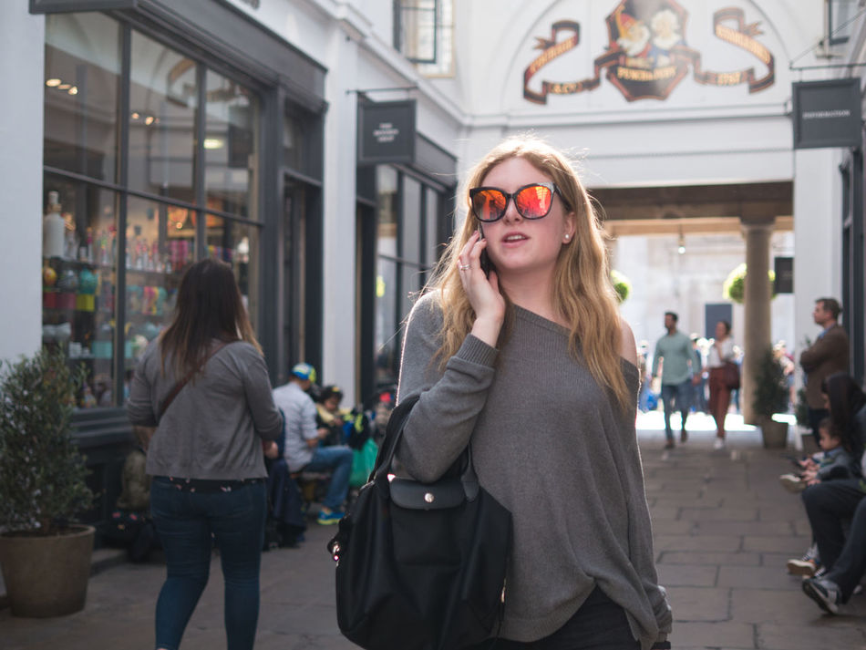 London, Apr 2017 Street Photographer Street Photography Street Color Capture The Moment Candid Unstaged People London EyeEm Best Shots - The Streets The Street Photographer - 20I7 EyeEm Awards