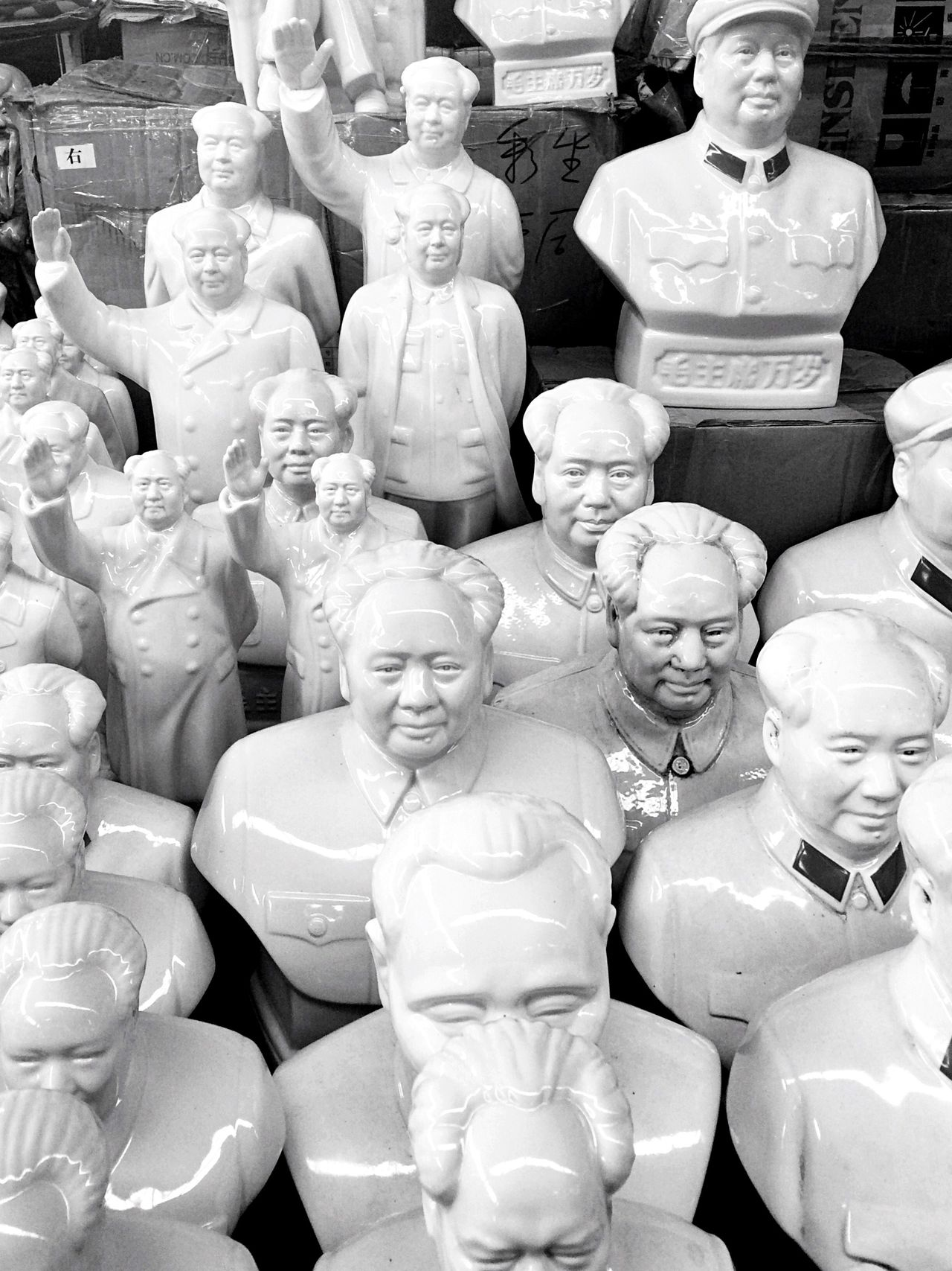 Human Representation Men History Statue Large Group Of People China Streets Selling On The Street Statues Mao Zedong Mao China Chinese Chinese Culture Chinese Art And Craft Chinese Art Porcelain  Art Fleamarket Market Marketplace Market Stall Market Place