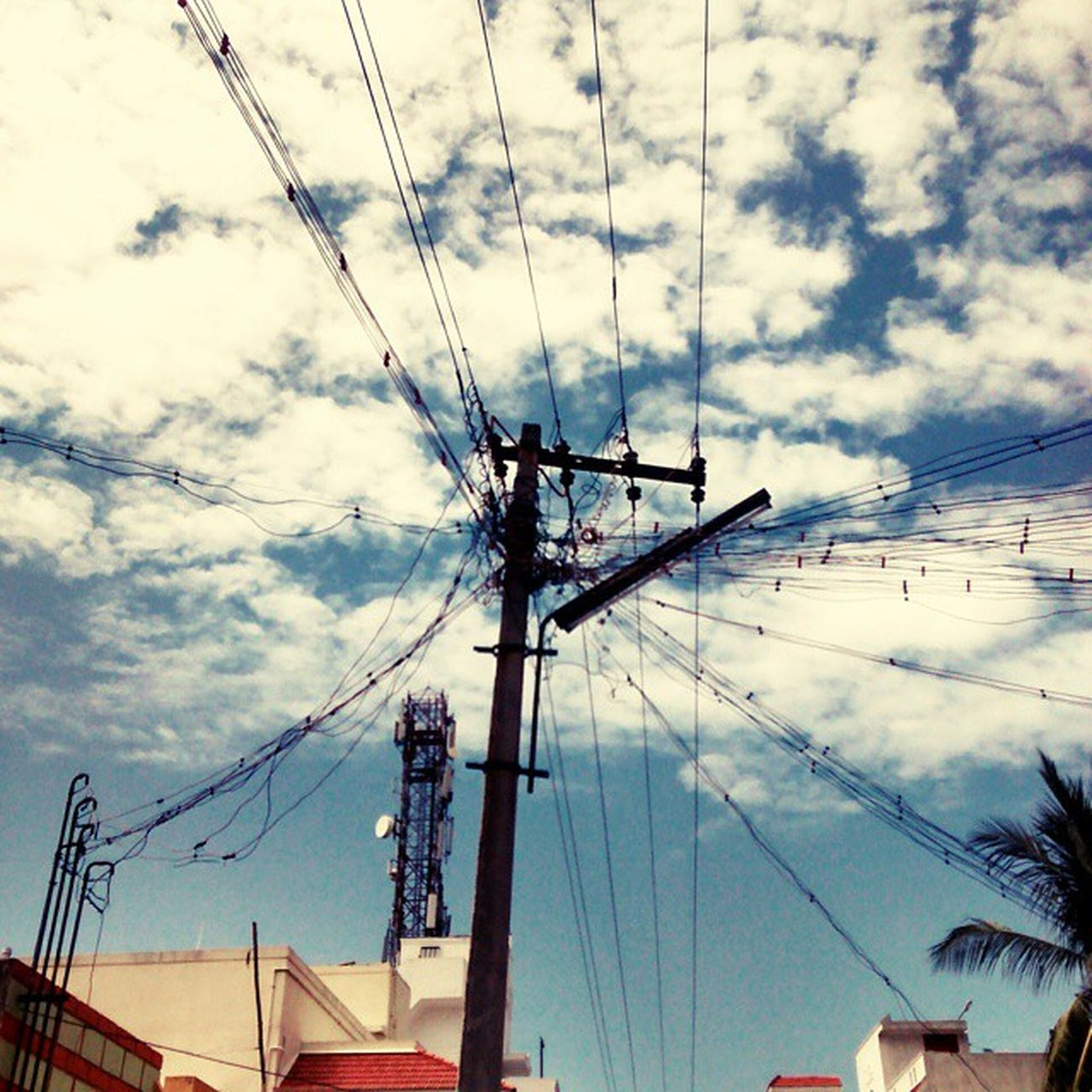 The 'Apply Kirchoff's law' moment! Kirchoffslaw Randompole Cloudybluesky CoolWeather Vitvellore Tamilnadu India