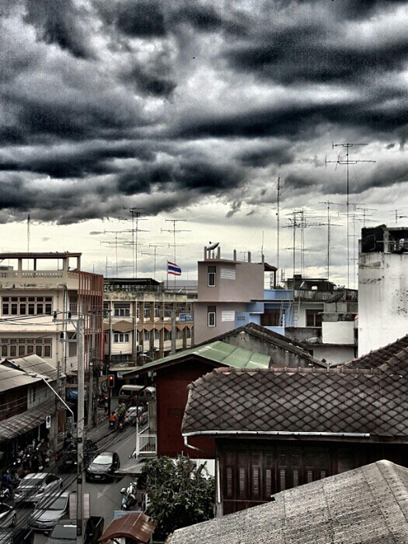 Be very cloudy but not rain. Lifeontheroad Streetphotography Rain Eyeemthailand Rainyseason Sky And Clouds Edited Skylovers