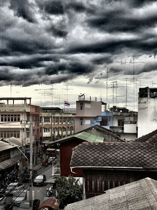 Be very cloudy but not rain. Lifeontheroad Streetphotography Rain Eyeemthailand Rainyseason Sky And Clouds Edited Skylovers