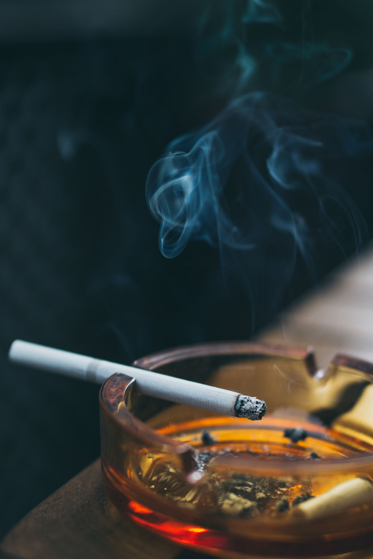 Smoke - Physical Structure Smoking - Activity Smoking Issues Cigarette  Addiction Bad Habit Social Issues Danger No People Ashtray  Condensation Indoors  Close-up Smoke Smoking Ashtray  Colors Colours