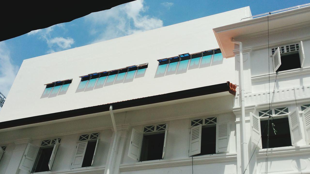 Singapore Taking Photos Buildings Windows Randomshot Light Source Reflections Colors Shophouse