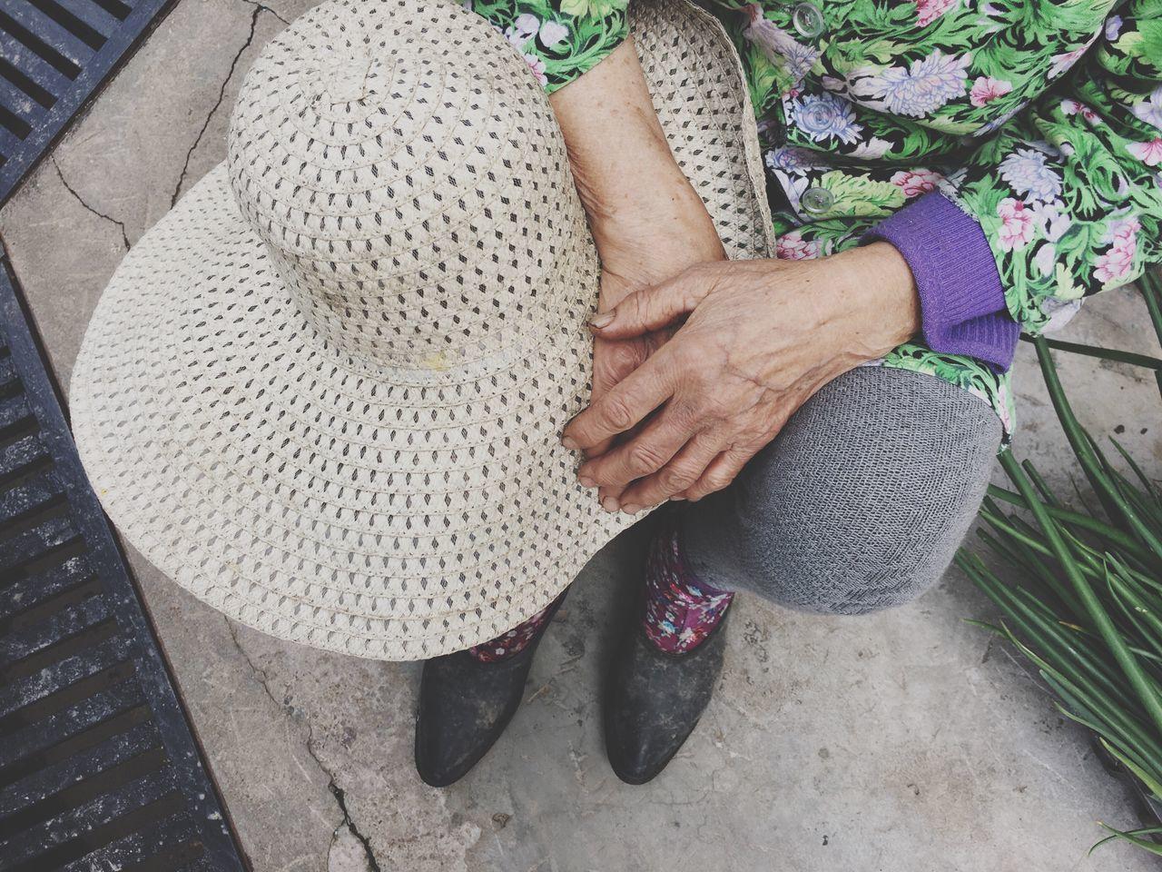 Grandmother/Work/Fatigue