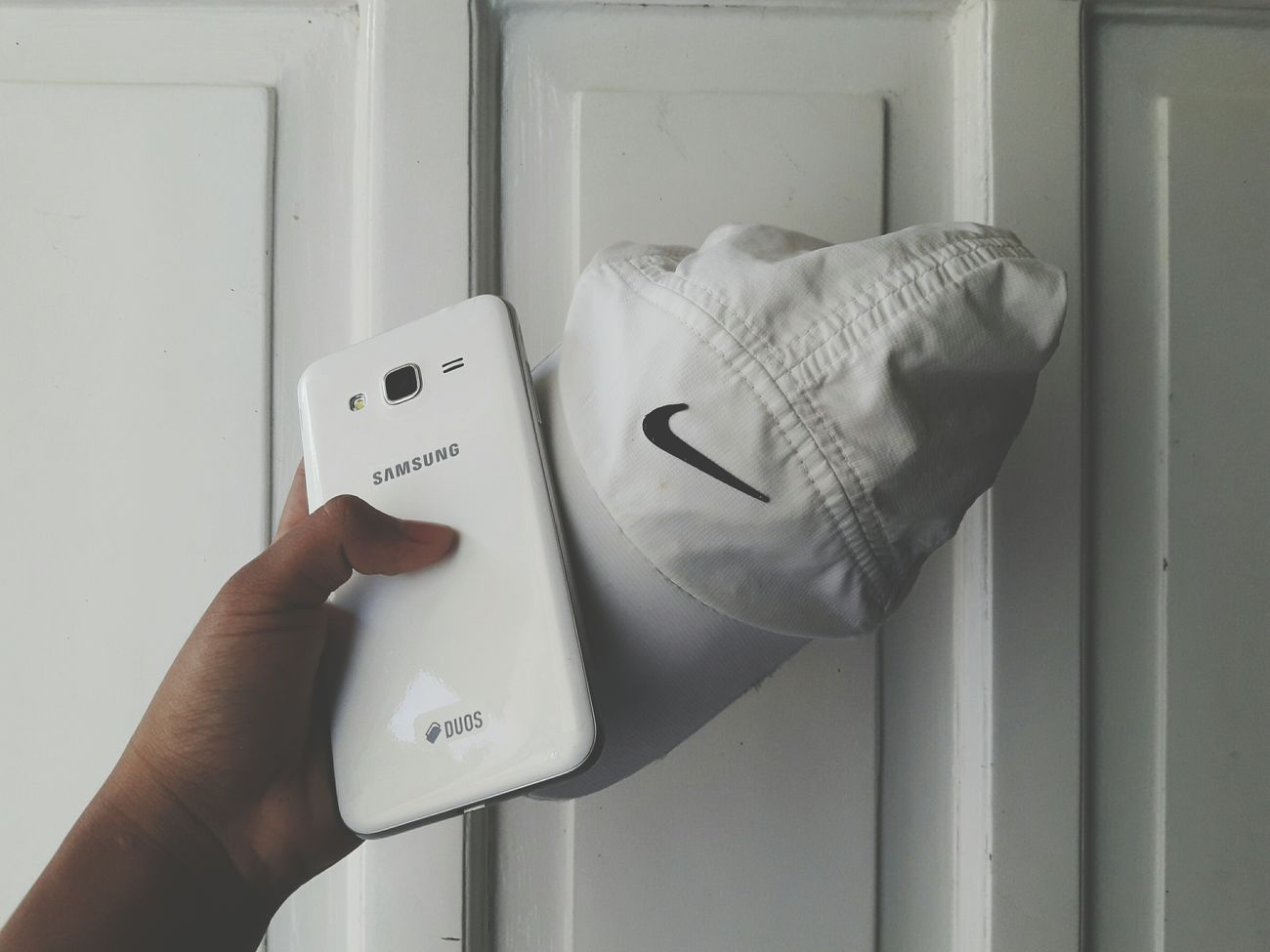 nike + samsung + brandless door = 😎 Phone Photography Photooftheday Mobilephotography Nike Nikecap likeforlike #likemyphoto #qlikemyphotos #like4like #likemypic #likeback #ilikeback #10likes 20likes likere Folow For Follow First Eyeem Photo