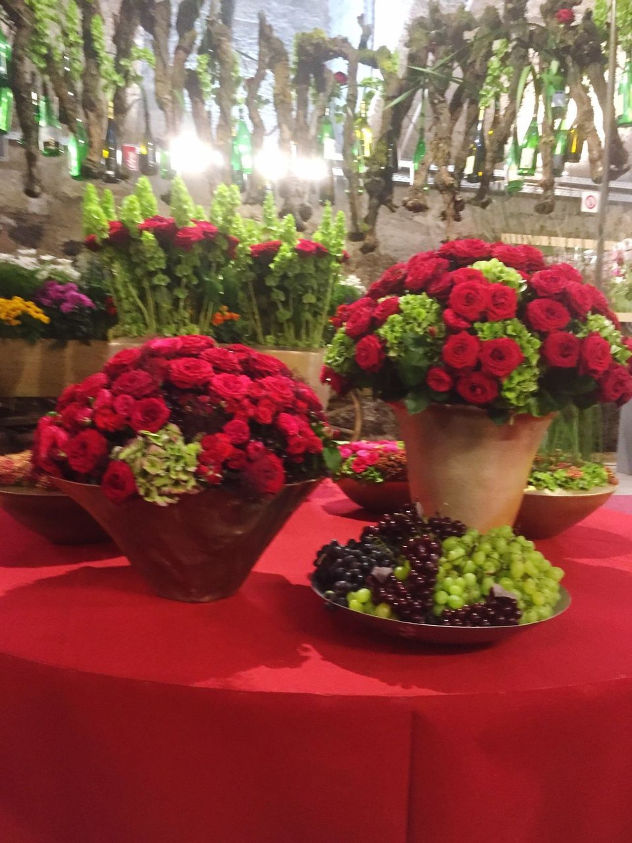 Table with red flower decoration Freshness Flower Red No People Table Growth Day Indoors  Nature Close-up Anniversary Mother's Day Flower Arrangement Decoration Flower Market