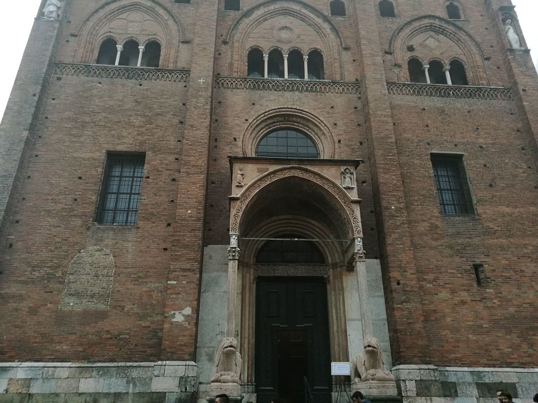 Arch Architecture Building Exterior Built Structure Day Façade History Low Angle View No People Outdoors Place Of Worship Religion Spirituality Travel Destinations Window