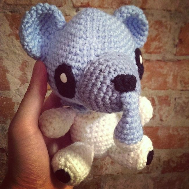 I didn't forget! Just took me a while to figure out how to do the random draw. The winner of this bad boy is @rayraywolfie! Congrats! Pokémon Cubchoo Pokemoncrochet Pokemonamigurumi crochet handmade giveaway tamillivanilli
