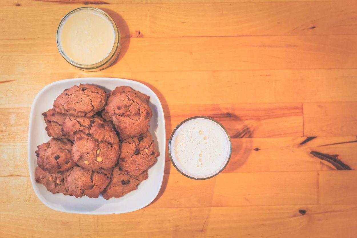 Home made gluten free and vegetarian cookies. Could be vegan if you dont use nutella GlutenfreeeHomemadedHomebakingnSoymilklVegetarianaHealthy EatingnHealthy FoodoVeganaVegan Foodod Top Perspective