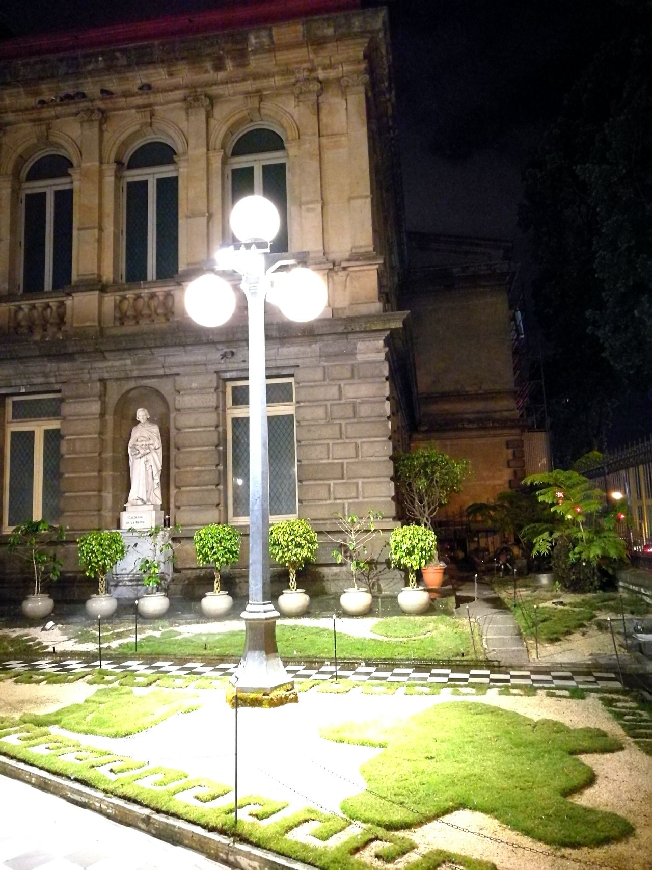 No People Outdoors Architecture Illuminated Night Night View Night Lights Outdoors Photograpghy  Concert Hall  Night Life Business Finance And Industry Teatro Nacional National Theater Tourism Travel Destinations Night Photography Theatre Of Opera And Ballet Facades And Light Building Exterior Garden