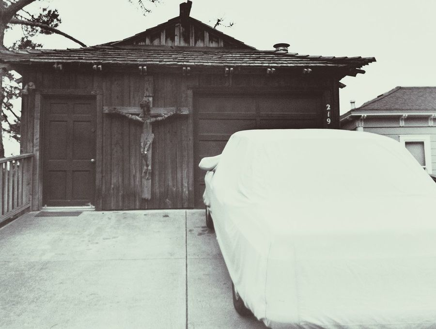 No. 219 Garage Crucifix Old Car