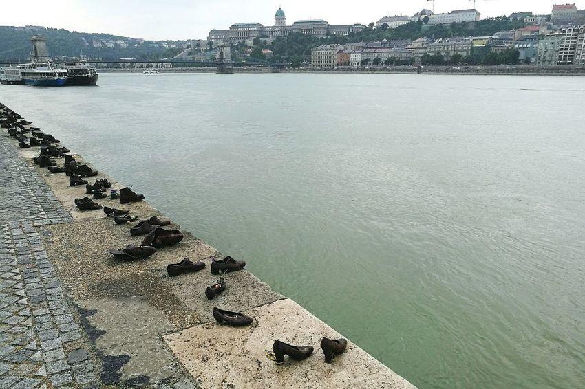 Theshoes Danube Danube River Danube In Budapest Danube Shoes Hungary Hungary I <3 You Hungary Photos PhonePhotography HuaweiP9 Huaweiphotography Budapest, Hungary Budapest_hungary Budapest View Budapest - Hungary Budapest Scenes Budapest_is_awesome Buda & Pest Series Budapestview