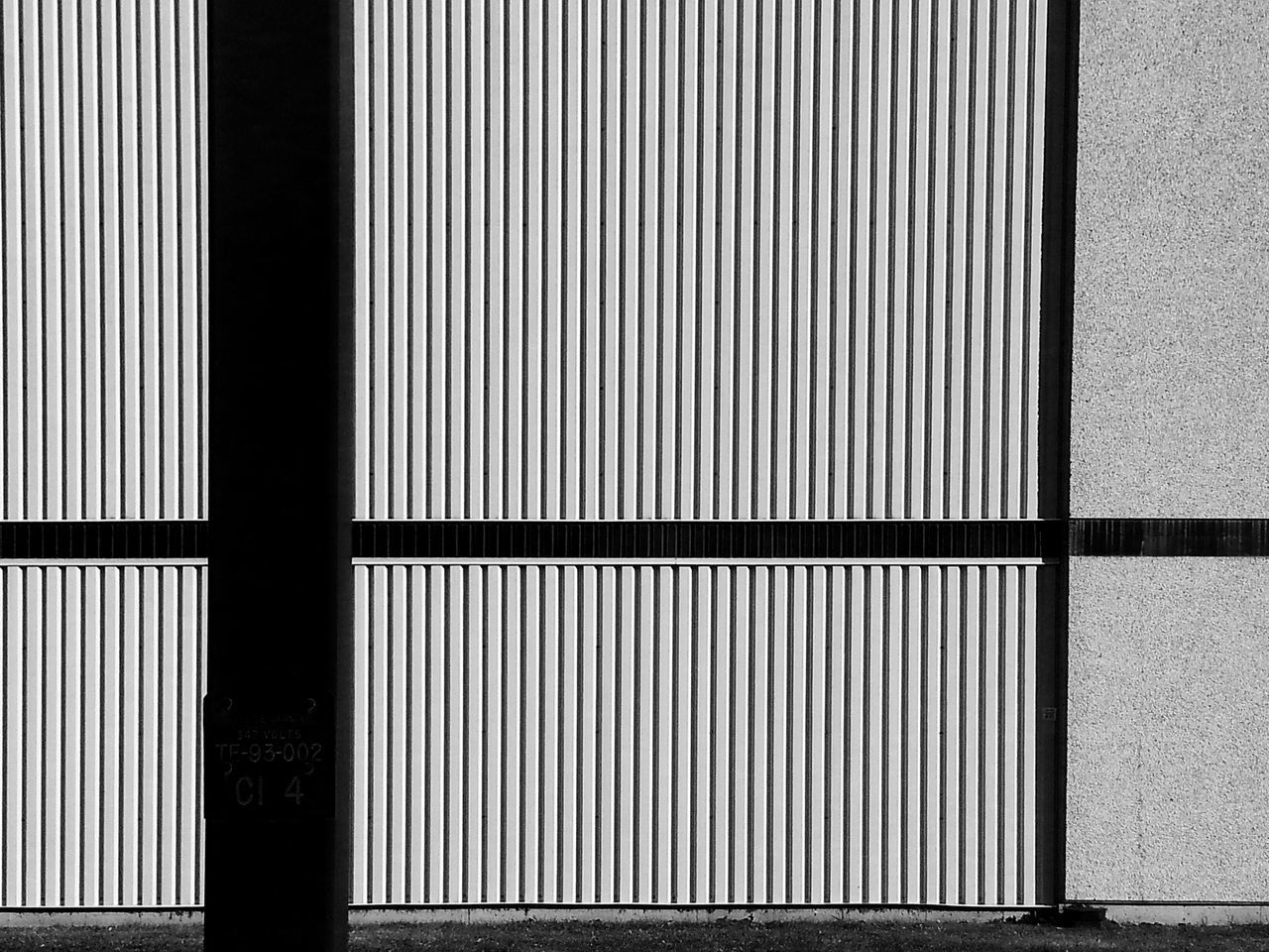 Wall lining... Less Is More ! for Bnw_friday_eyeemchallenge Stripes Straight Lines Vertical Horizontal Pattern Pieces Wall Sections Geometric Architecture Patterns Stripes Lines And Angles Minimalist EyeEm Best Shots - Architecture The Architect - 2016 EyeEm Awards My Favorite Photo Your Design Story The Architect- 2016 Eyeem Awards Fine Art Photography Monochrome Photography Maximum Closeness Minimalist Architecture Welcome To Black ミーノー!!