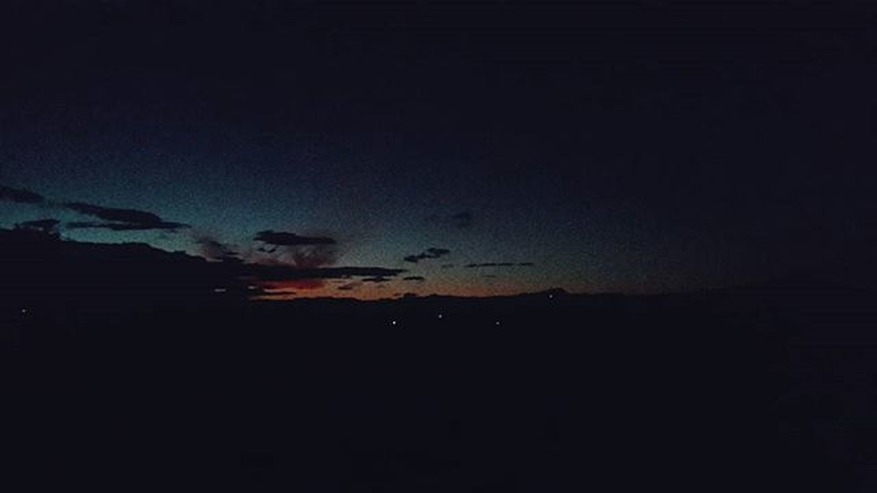 in der Dunkelheit blitzte ein Licht auf. Ig_mood Ig_captures Ig_sky Ig_sunsetshots Ig_sunset Rsa_sunset Rsa_vsco Sunset Sunsets Sunset_pics Sunsetlove Sunsetlover Sunsetlovers Sunsetsnipers Grain Grainy Igersouthafrica Igerssouthafrica Pixelpanda_za VSCO Vscocam Vscogram Vscogramer Vscophile Vscosnaps vscogood vscosunset vscosouthafrica vscosa vscorsa