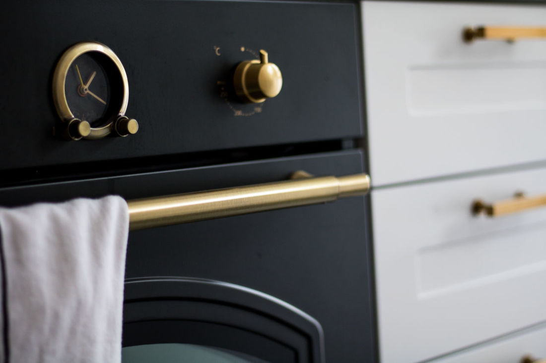 Safety Close-up Protection No People Indoors  Lock Locker Day Furnitures Design Home Showcase Interior Oven House Luxury Domestic Kitchen Kitchen Knobs Home Interior Domestic Room Black And White Eterstudio Domestic Life Table Kitchen Sink Cooking