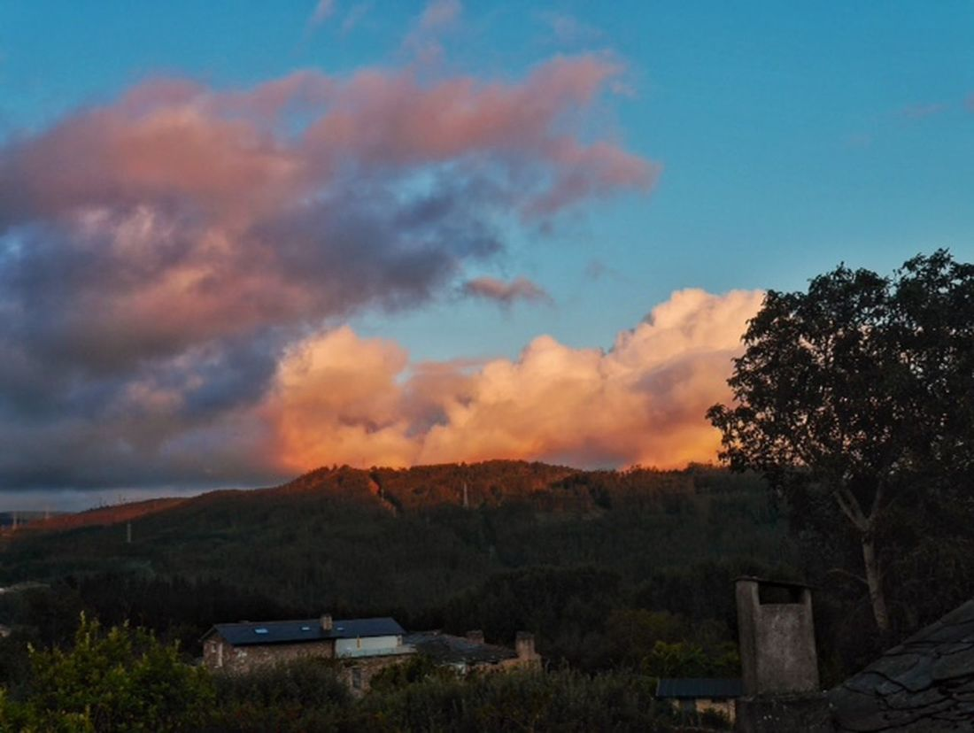 Y asi terminó ... Sunset From My Point Of View Creative Light And Shadow Clouds And Sky Precious Moments Of Life Viveiro