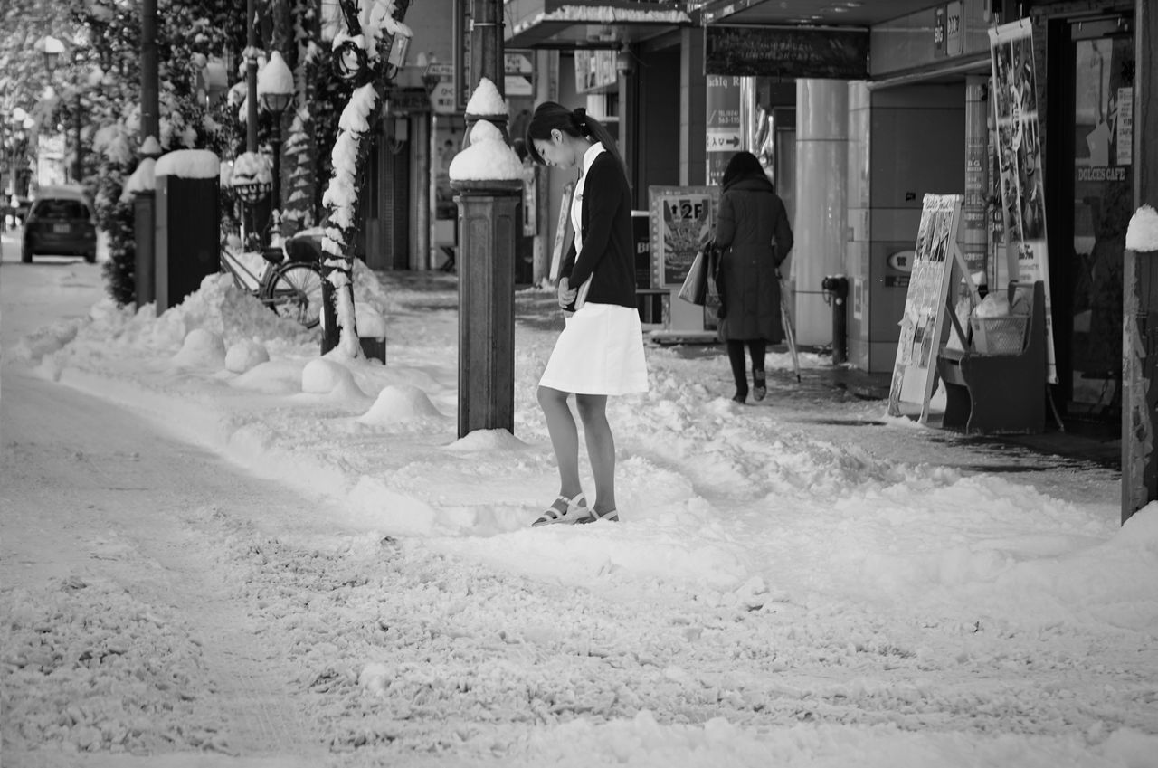 Capture The Moment Full Length Only Women Cold Temperature Snow City Architecture Street Photography Uzu St. Black And White Urban Exploration Still Life Fashion Fine Art People Transportation Selective Focus Landscapes Adapted To The City Women Who Inspire You Full Frame Detail Sigma EyeEm Best Shots 17_01