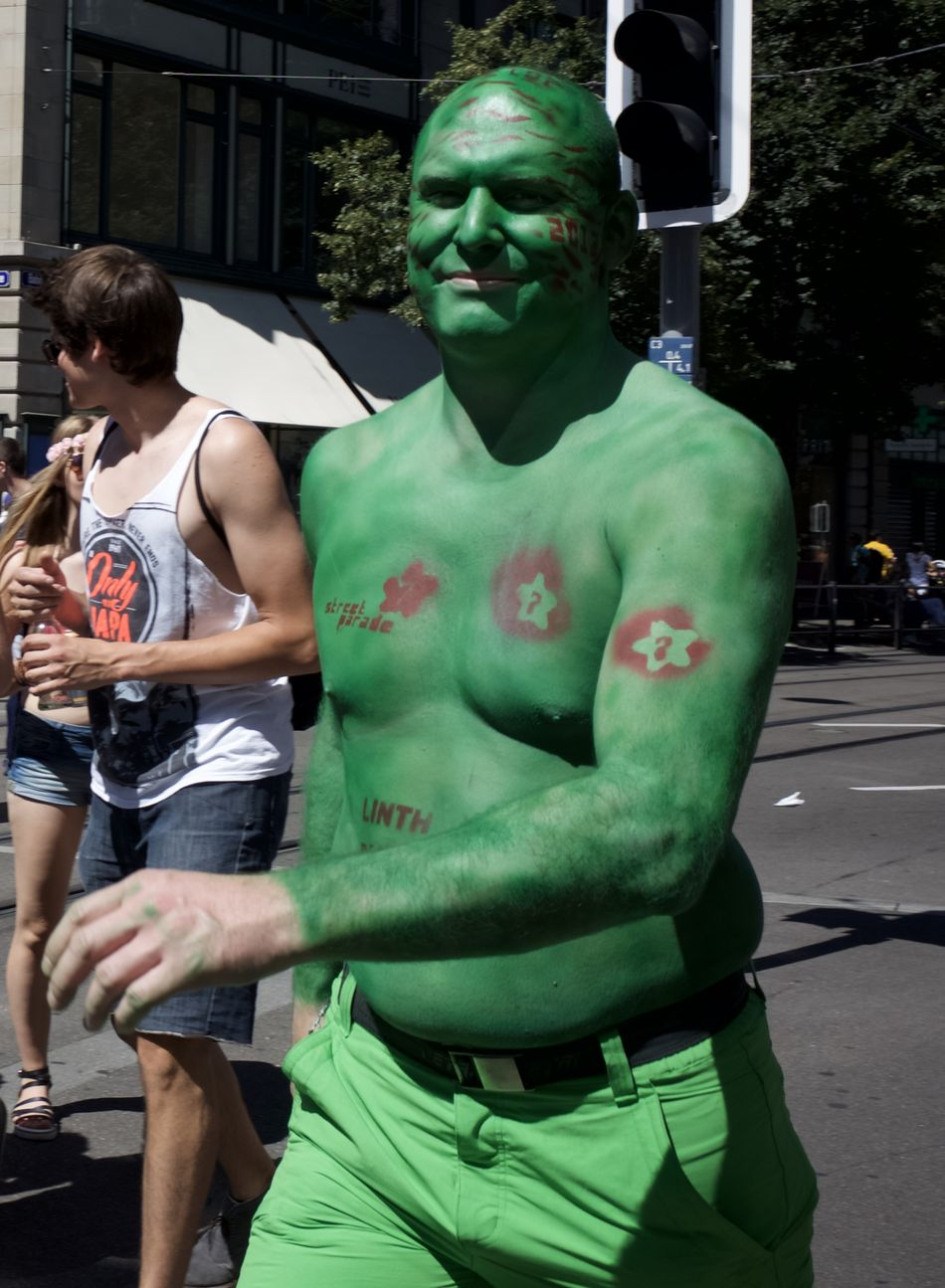had a break to view to the people going to the street parade 2016 in Zürich Disguised Enjoying Life Enjoying The Sun Fun Funtimes Hello World Rave Raveparty Ricohgr2 Streetparade Zurich Streetparade2016 Sun-fun Switzerland_2016 Zürich Festival Fever Leisure Activity Festival Season
