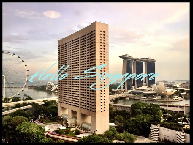 Hello Singapore !! Nice to be back 🇸🇬 Building Exterior Architecture City Built Structure Sky Tree Auto Post Production Filter Transfer Print Cloud - Sky Cloud Transportation Tall - High Modern Office Building Tall Growth Cloudy Development Outdoors City Life Travel Photography Singapore Marina Bay Sands Cabincrew
