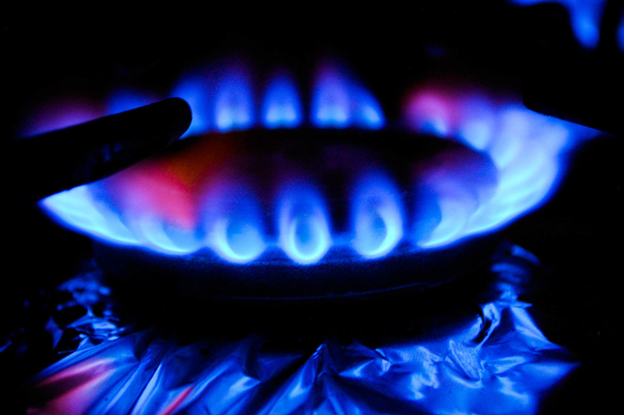 Blue Burner - Stove Top Burning Close-up Dark Blue Domestic Kitchen Domestic Life Domestic Room Flame Gas Heat - Temperature Indoors  No People Stove