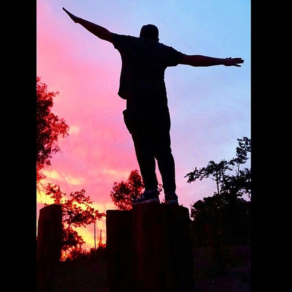 Cuando Miren el Cielo Imaginen que Volaran pero... Directo a sus Sueños.. a Hacerlos Realidad CarpeDiem LaVozDeChile