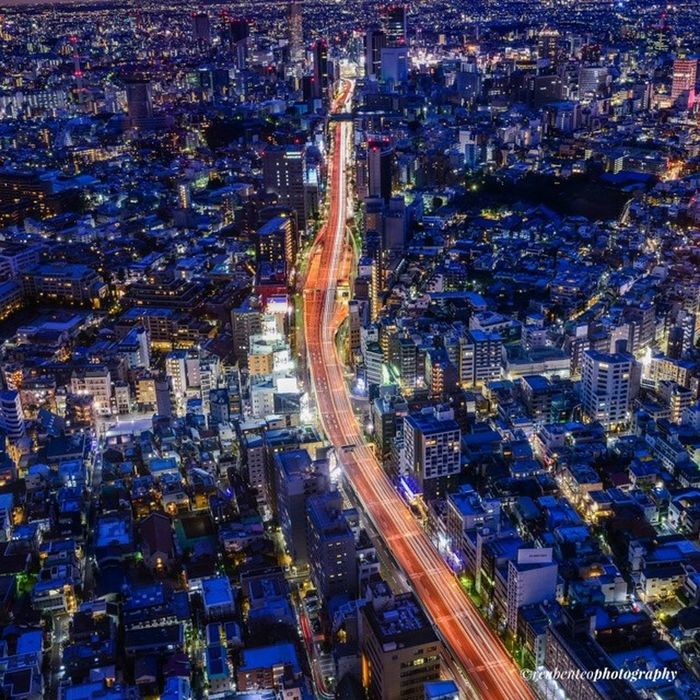 The city brightens up even at night! Tokyo Japan Timeless_shots Ic_thecity For more: http://www.reubenteo.com