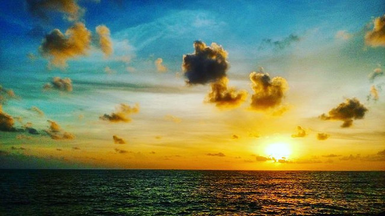 Sea Sunset Redsun Clouds Peace Happiness Happy Sky Colour Evening Instagram Photographer Sun Ocian Seaandsunshine Seaandsun
