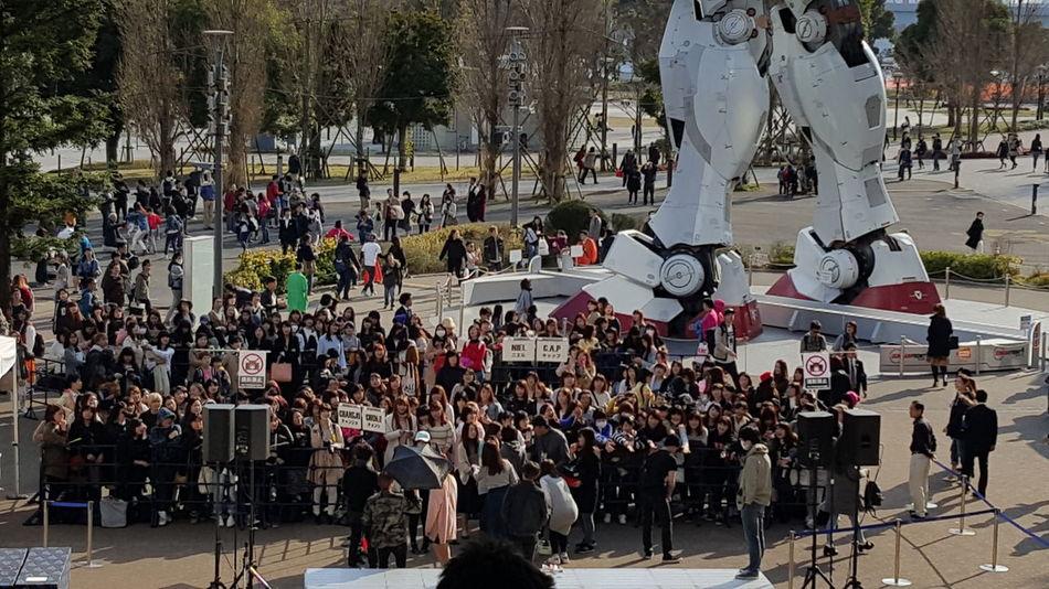 Gundam 보러갔다가 마주친 뜻밖의 Teentop. 일본팬들은 참으로 과감하더이다. 허허허