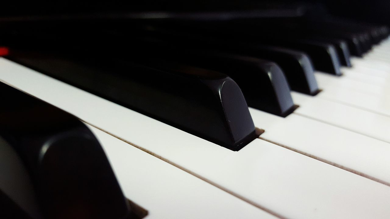 Piano Pianokeys Pianolover Pianist Musician Artist Reallove Worthit Fortheloveofmusic Black White
