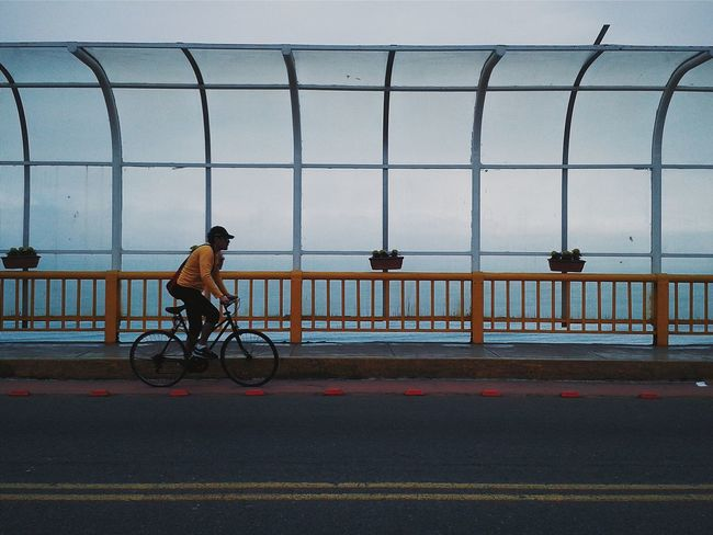 Miraflores. Streetphotography AMPt_community Vscocam Negative Space