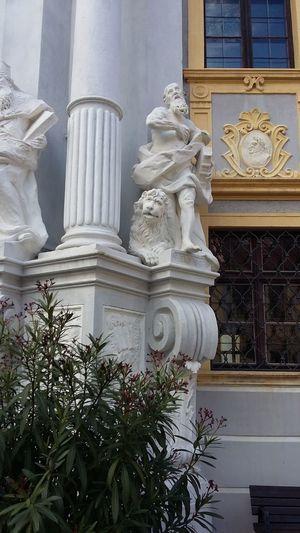 Statue Architecture Religion Sculpture Stone Lionsculpture Lion Dürnstein Österreich Travel Destinations Kloster History Architecture Statue