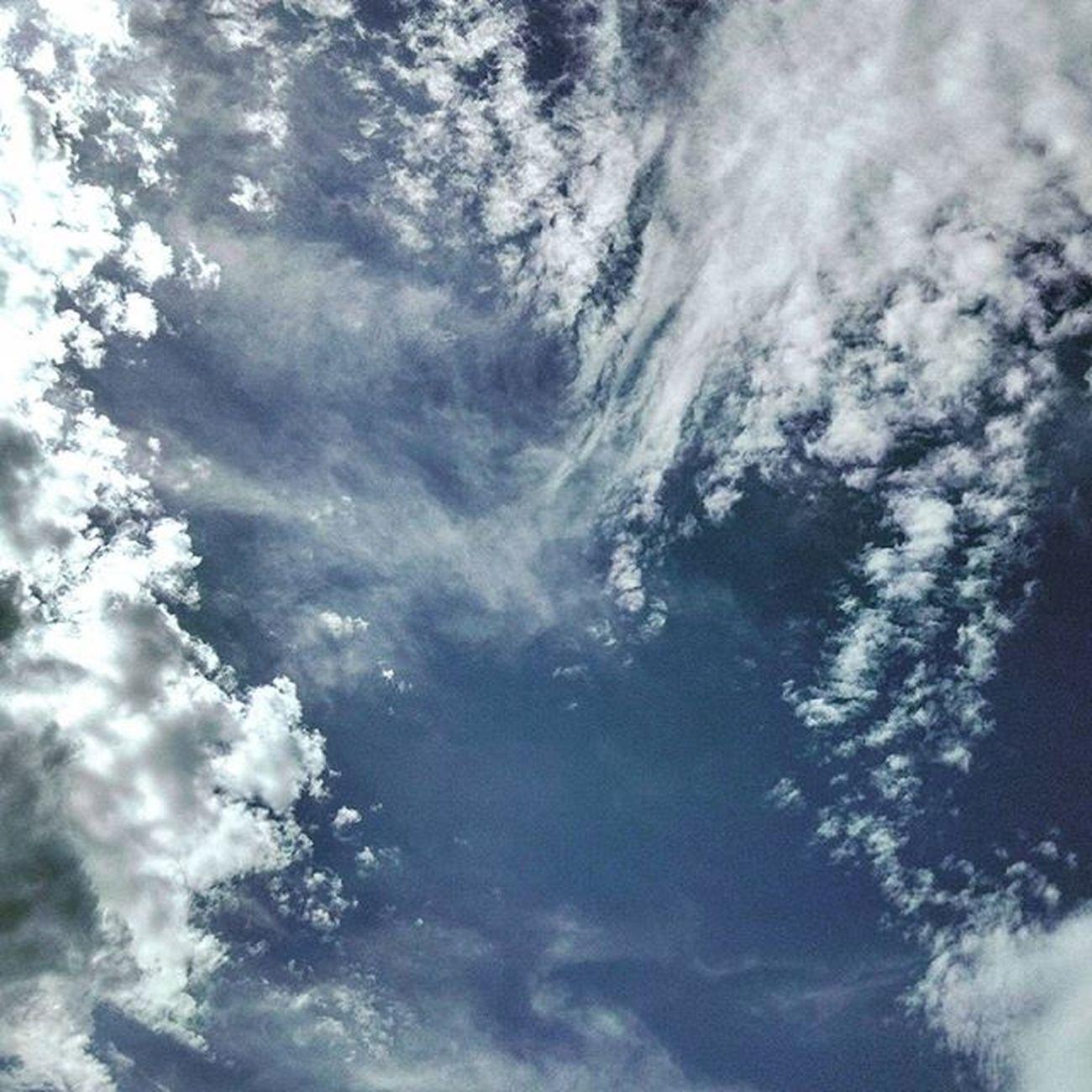 . Cielo Azzurro Sky Bluesky Blu Skylovers SkyClouds Clouds Cloudscape Cloudslovers Nuvole Nature Naturelovers Igersmarche Igersitalia Marche Italy Italia Landscape Liveloveitalia