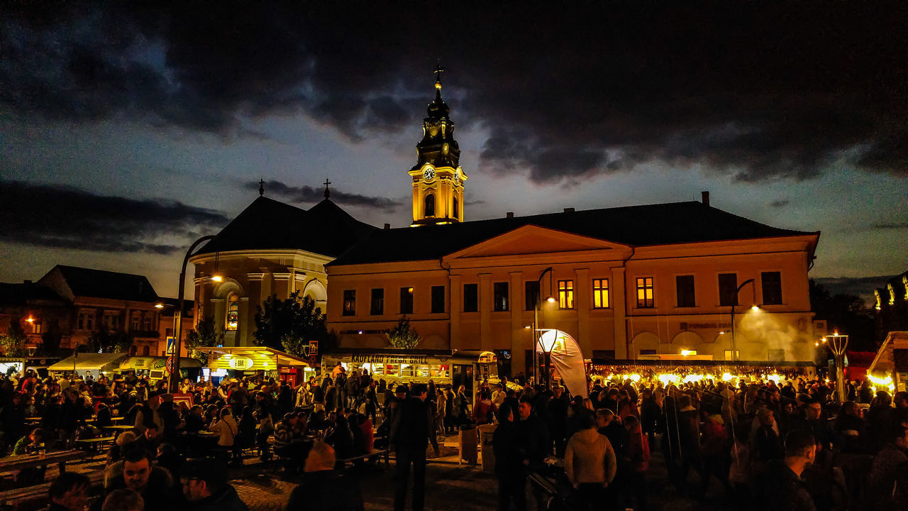 Architecture Illuminated Large Group Of People Night Crowd Sky Streetfoodfestival Celebration Oradea,România Street Food Worldwide Food Festival Carnival Crowds And Details